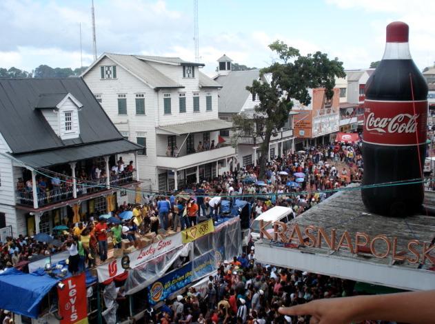 Suriname - Kras, oudejaarsdag en colafles.jpg