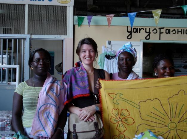 Suriname - vrouw op de markt1.jpg